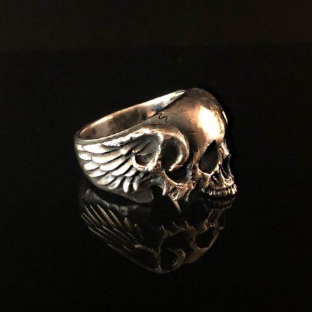 Кольцо Череп с рогами и крыльями без нижней челюсти