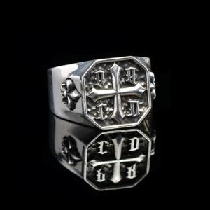 Перстень с лилией серебро