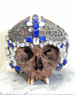 череп декорированный
