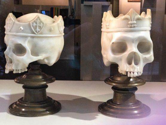 Черепа 19 век Италия мрамор бронза