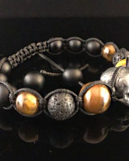 Браслет плетёный с 1 черепом и камнями лава и тигровый глаз