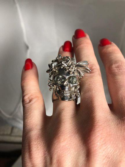 Кольцо с черепом Alexander McQueen